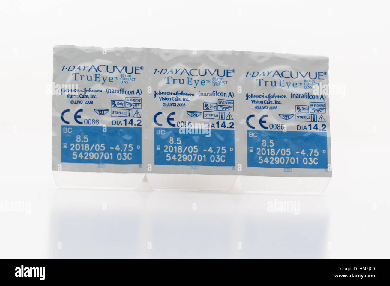 daily disposable contact lenses in packaging - 1-Day Acuvue - Stock Image