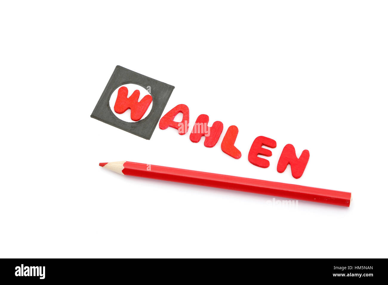 Red pencils and the word wahlen which means elections in german - Stock Image