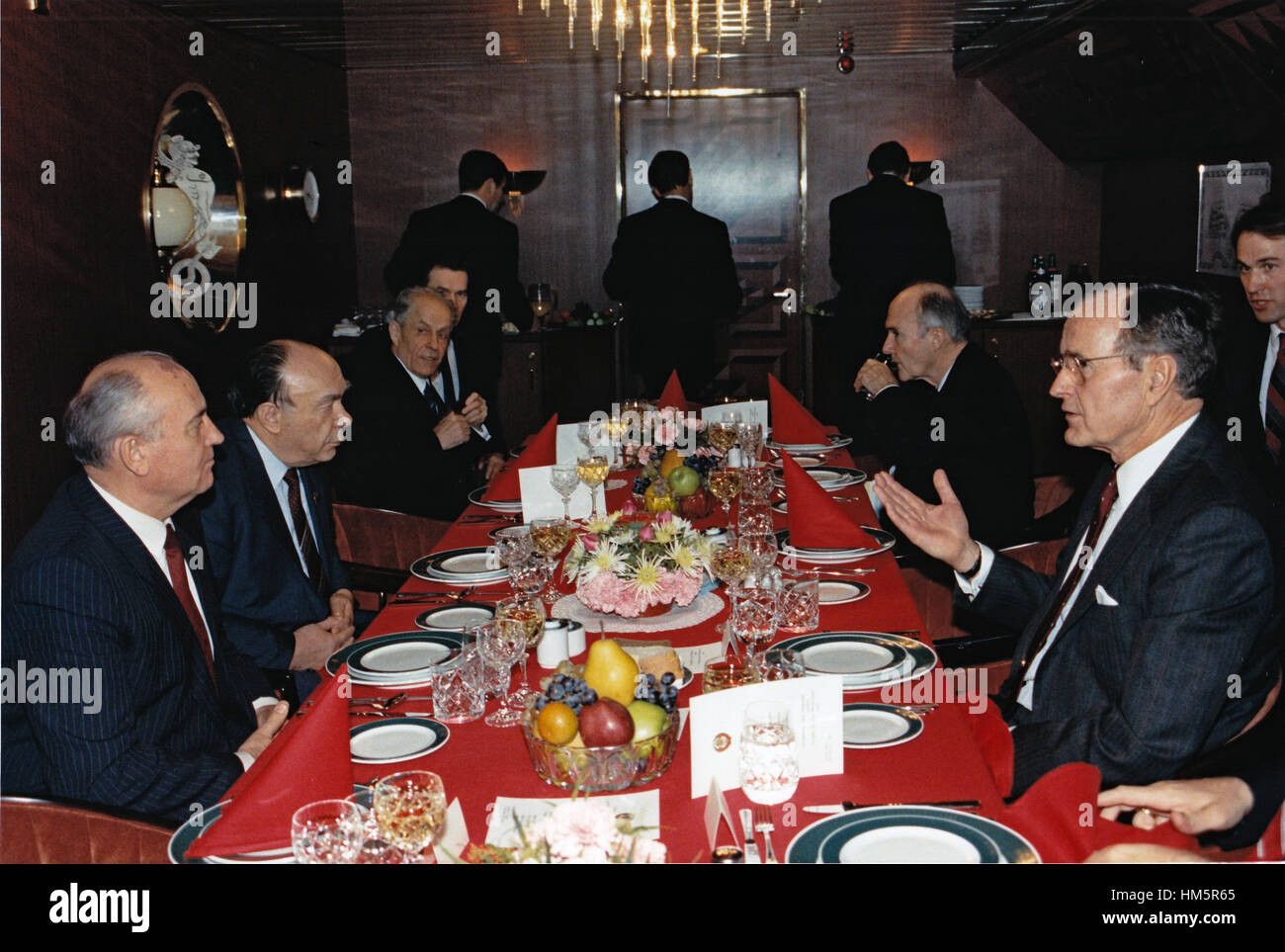 United States President George H.W. Bush, right, and General Secretary of the Communist Party of the Soviet Union - Stock Image