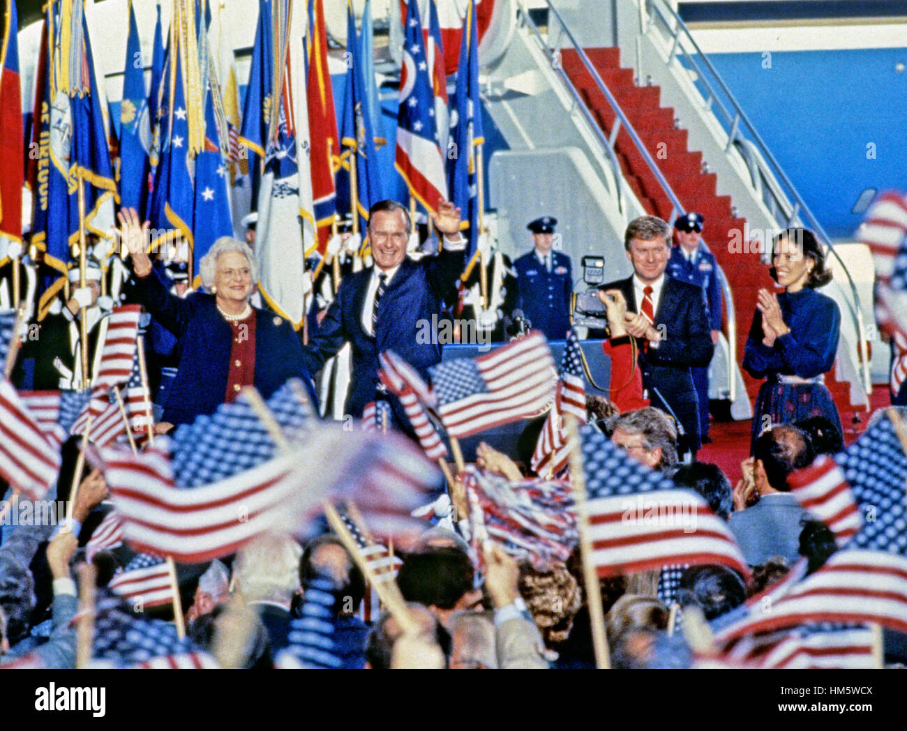 United States President-elect George H.W. Bush and Vice President-elect Dan Quayle return to Andrews Air Force Base, - Stock Image
