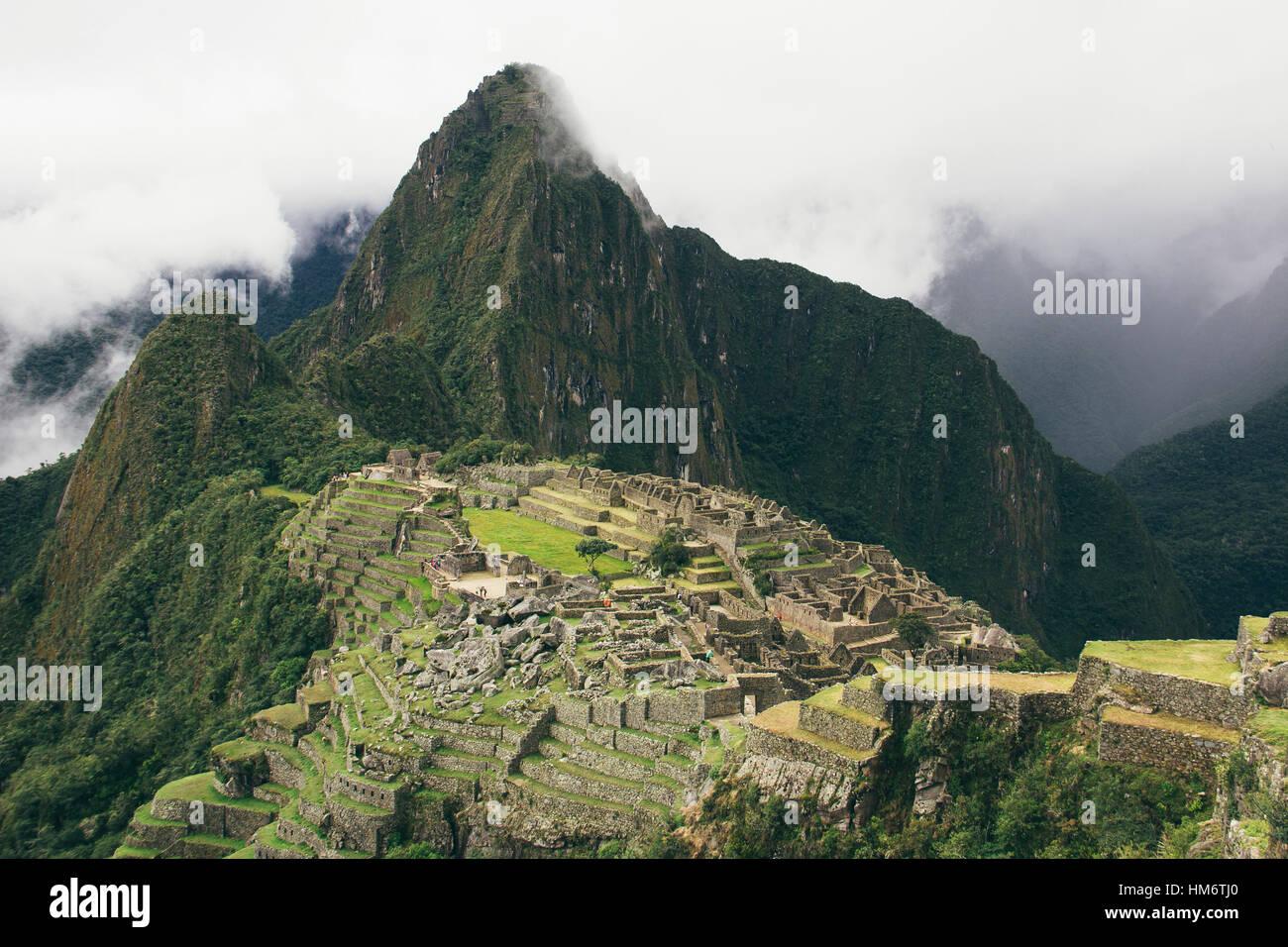Aerial view of historic machu picchu against Mt huayna picchu peak - Stock Image