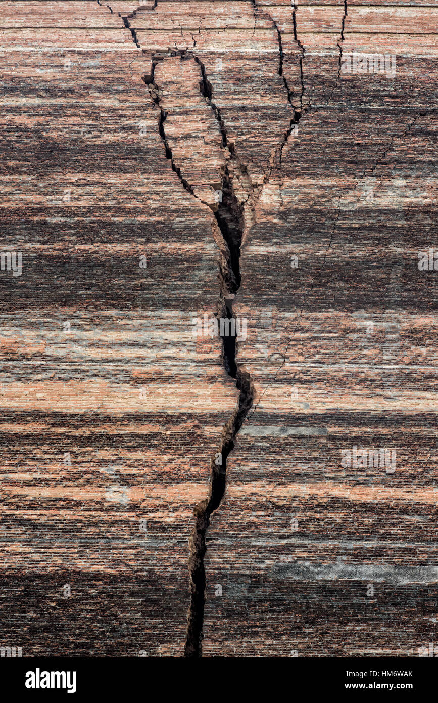 A massive crack in the side of the Unfinished Pagoda in Mingun from an earthquake on March 23, 1839. Mingun Pahtodawgyi, - Stock Image