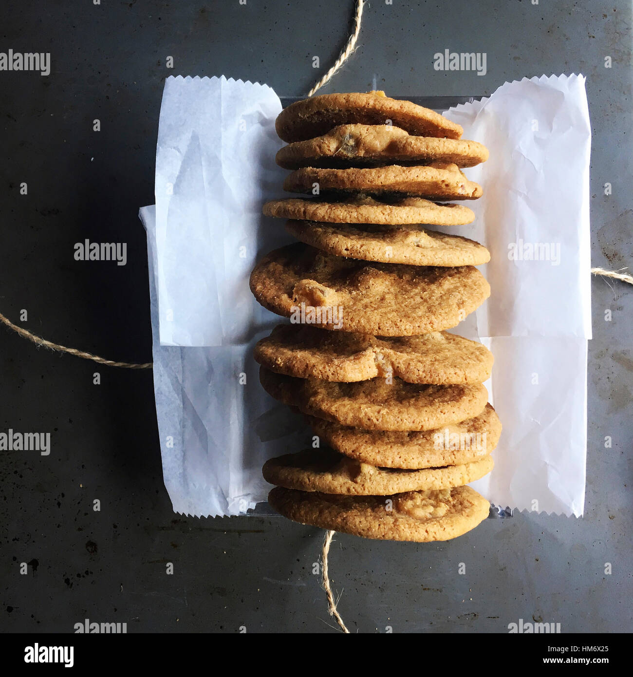 Overhead view of cookies on table - Stock Image