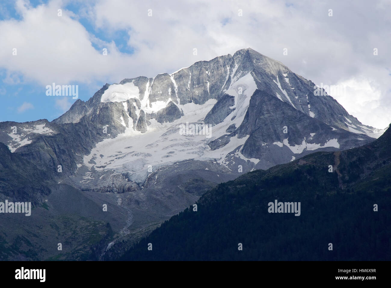 View of Mount Colllalto (Hochgall) from Rein in Taufers (Riva di Tures). - Stock Image