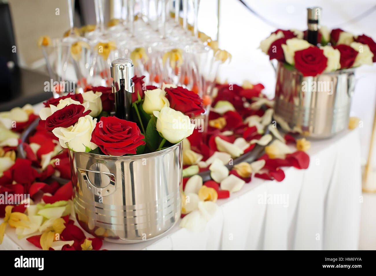 Rose Petals In Wine Glass Stock Photos & Rose Petals In Wine Glass ...