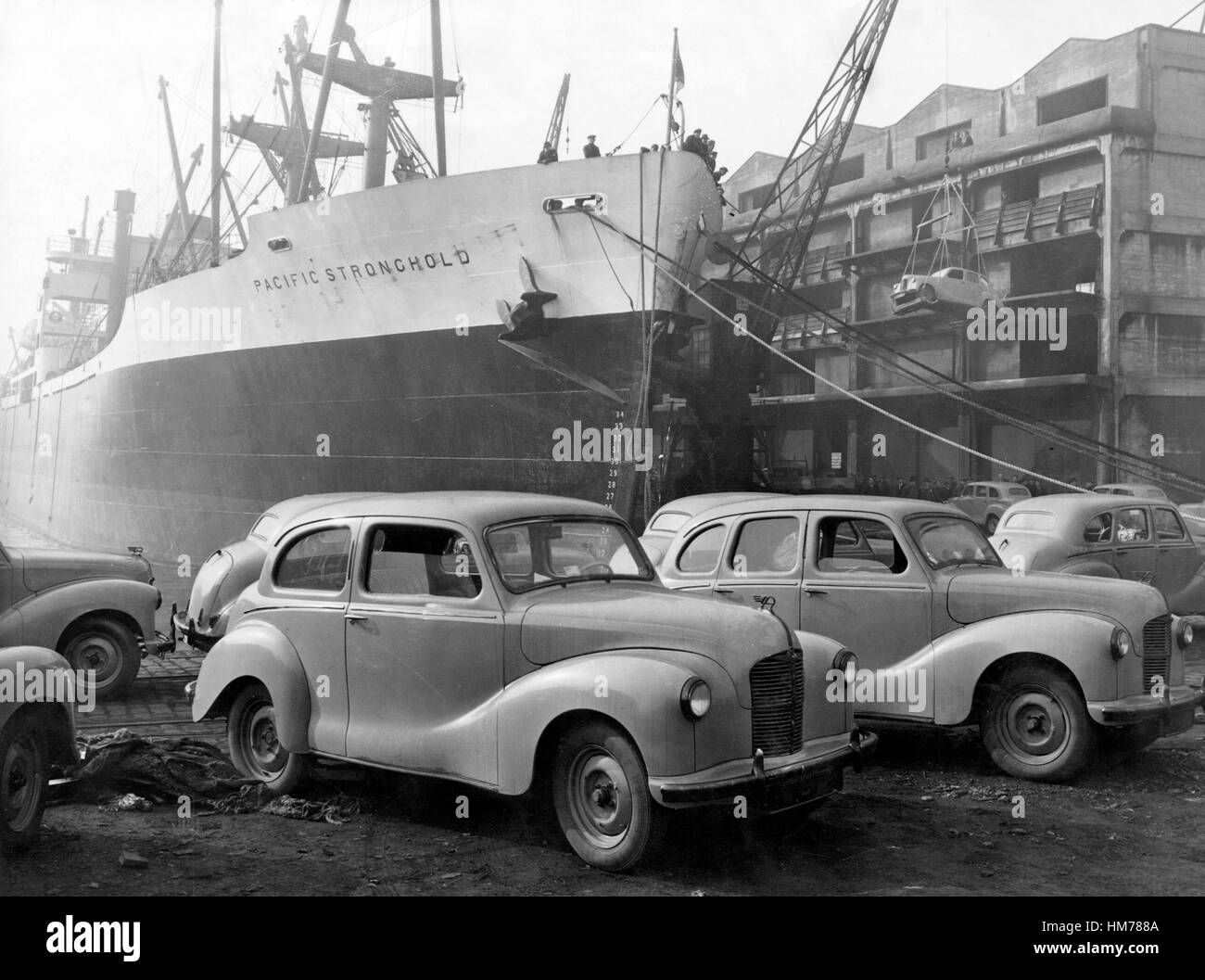 Austin A40s ready for Export to USA 1948 - Stock Image