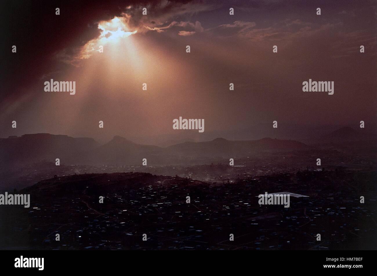 Maseru plain from Lancers Gap, effects of light, Lesotho. - Stock Image