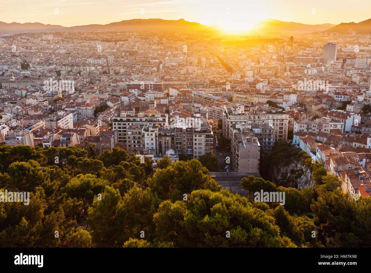 France, Provence-Alpes-Cote d'Azur, Marseille, Cityscape at dusk - Stock Image