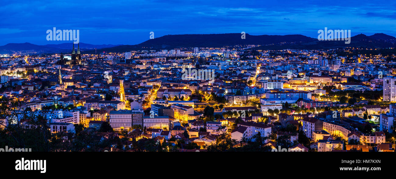 France, Auvergne-Rhone-Alpes, Clermont-Ferrand, Cityscape at dusk - Stock Image