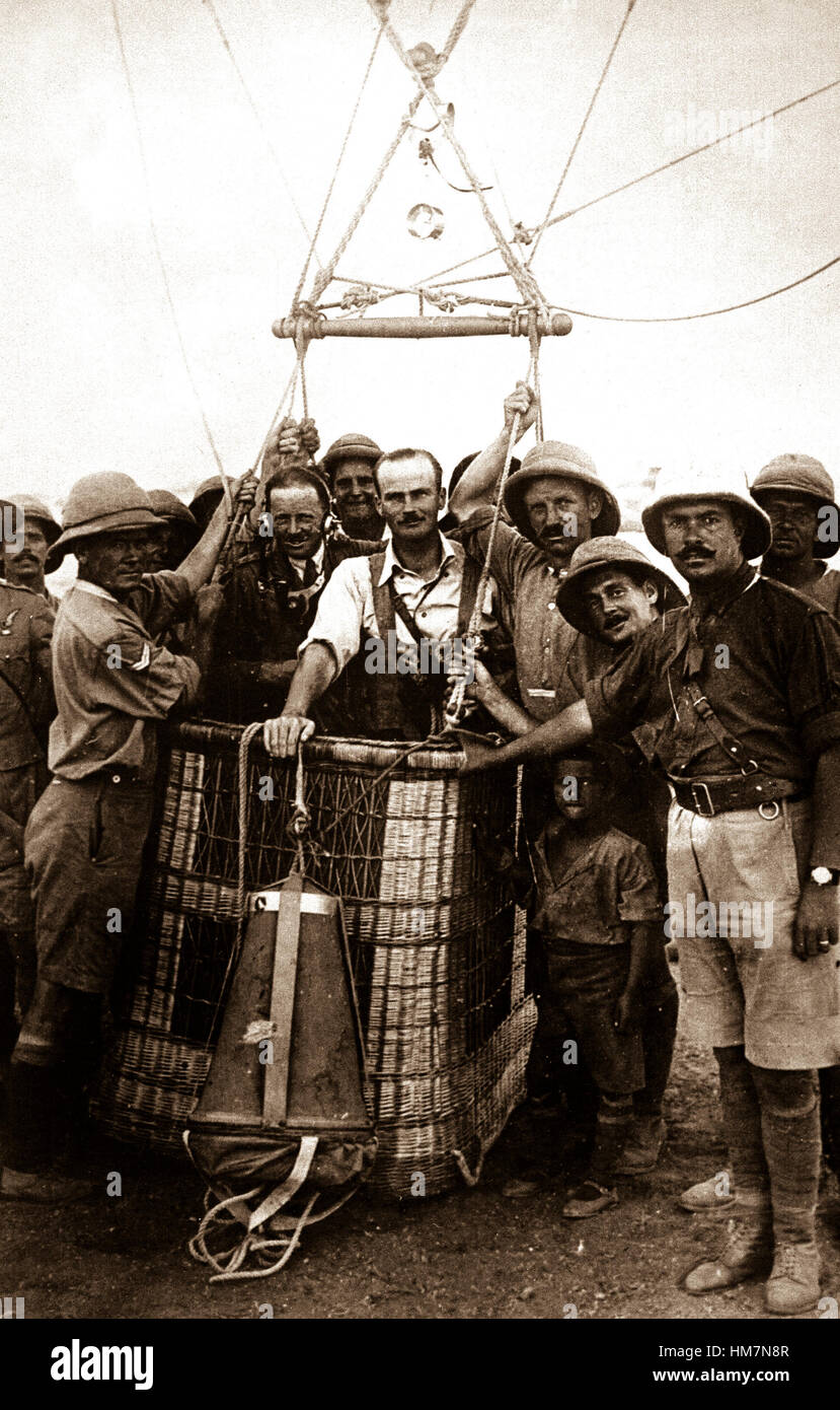 British balloon observer ready to make an ascension in Mesopotamia.  Practically all the members of this crew are Stock Photo