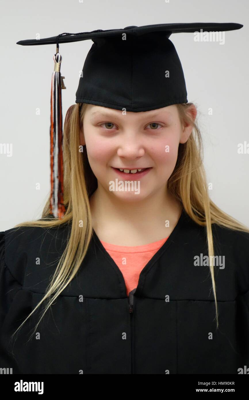 6th Grade Girl Cap Gown Stock Photos & 6th Grade Girl Cap Gown Stock ...