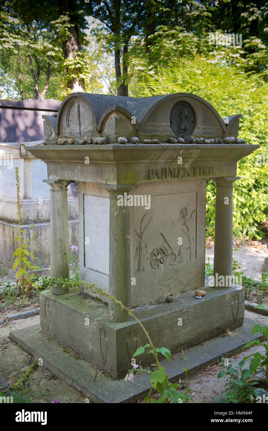 France, Paris 20th district. Pere Lachaise cemetery.The grave of Antoine Parmentier (1737-1813), initiator of the - Stock Image