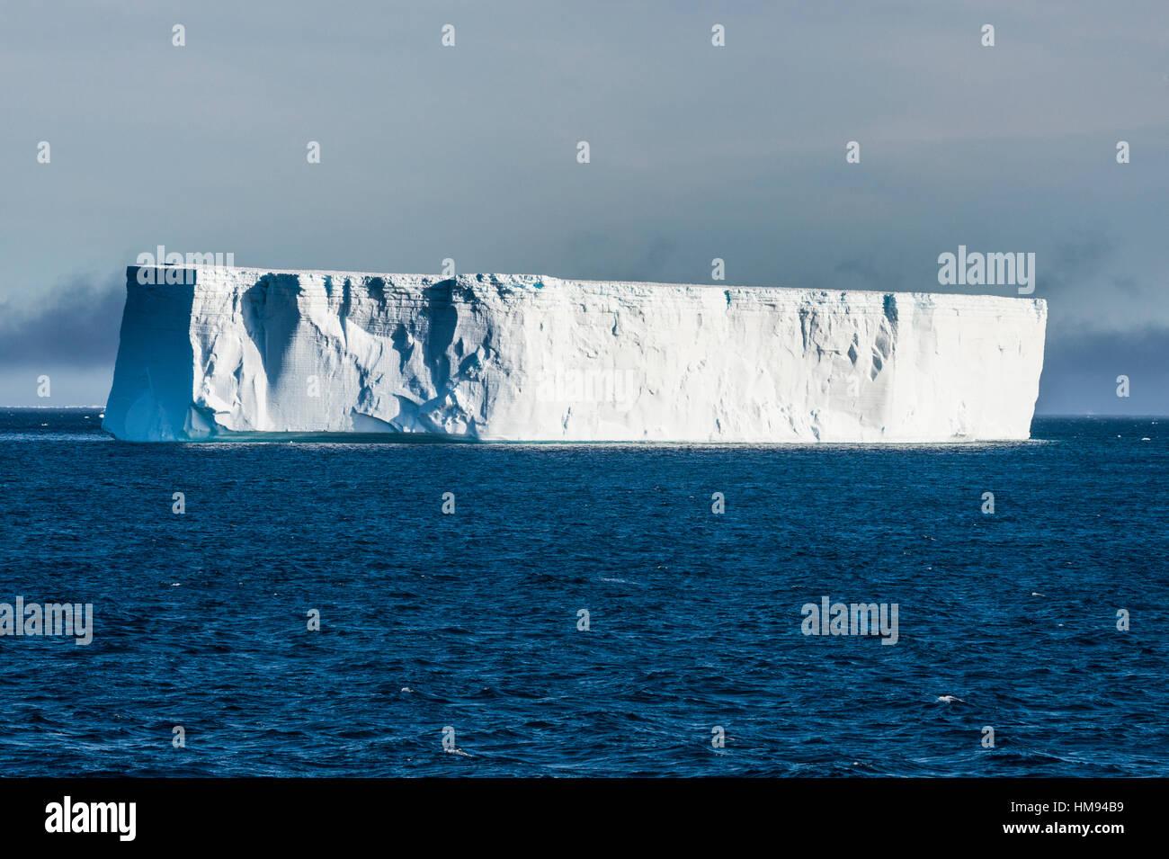 Large iceberg floating in the Weddell Sea, Antarctica, Polar Regions - Stock Image