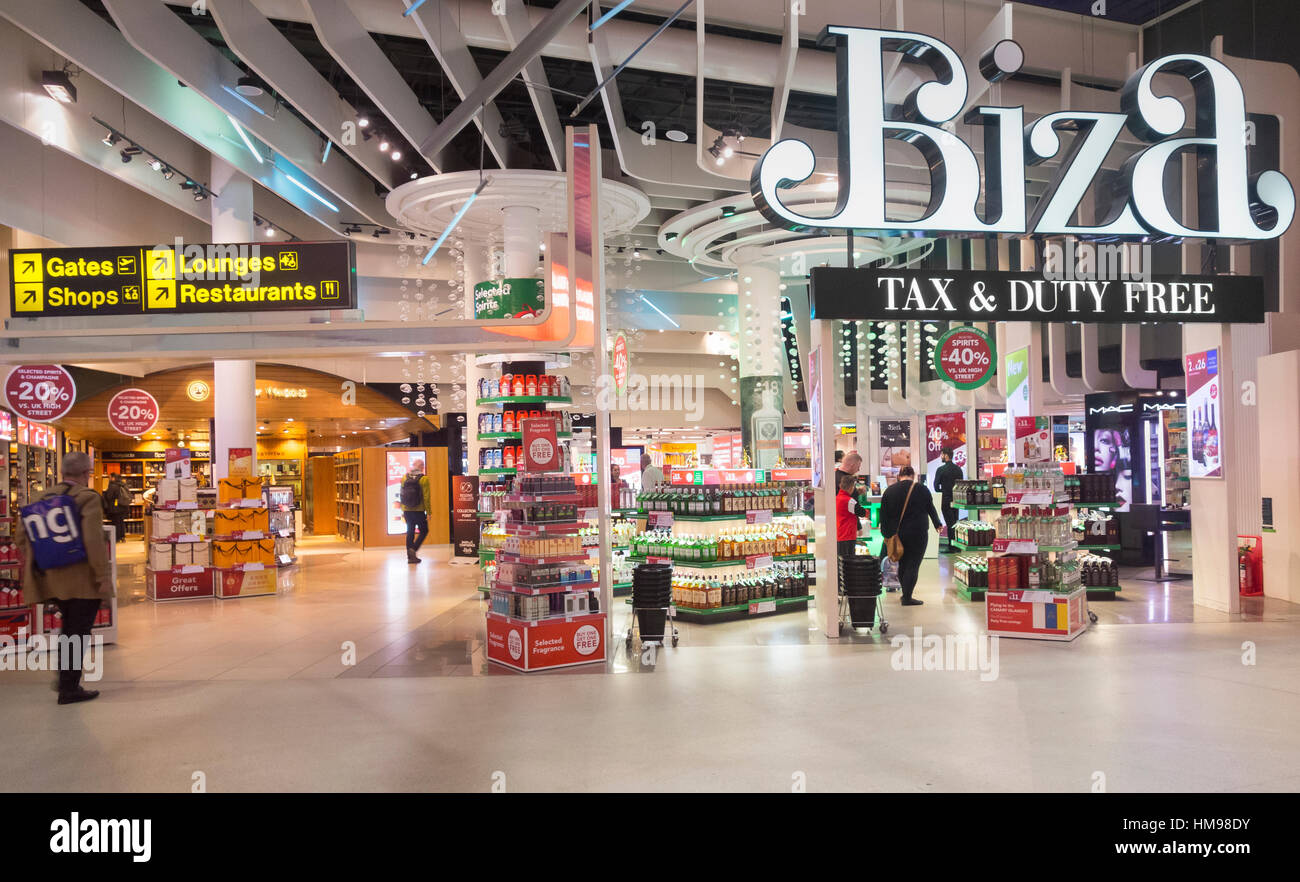 Duty free shop in Manchester Airport Terminal 1. UK - Stock Image