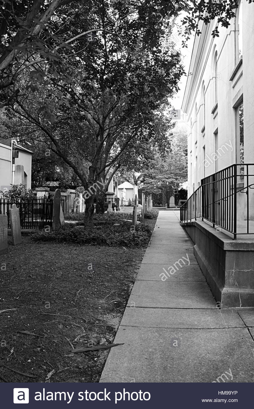 Tombs passage lawn tranquility black white - Stock Image