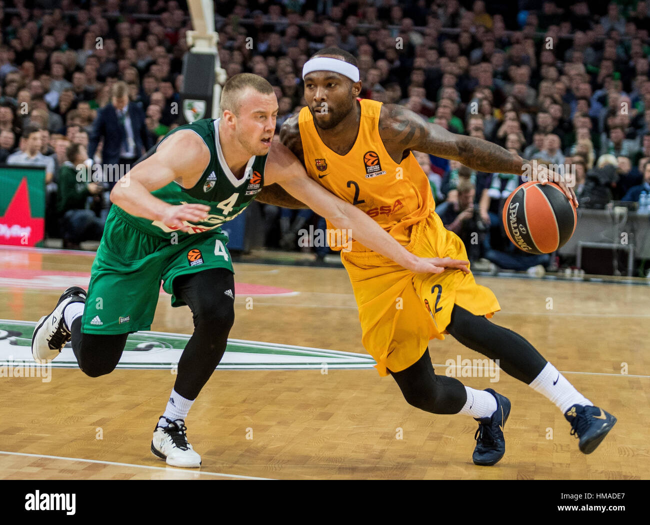 Vilnius, Lithuania. 2nd Feb, 2017. Tyrese Rice (R) from FC Barcelona Lassa of Spain breaks through during a Regular - Stock Image