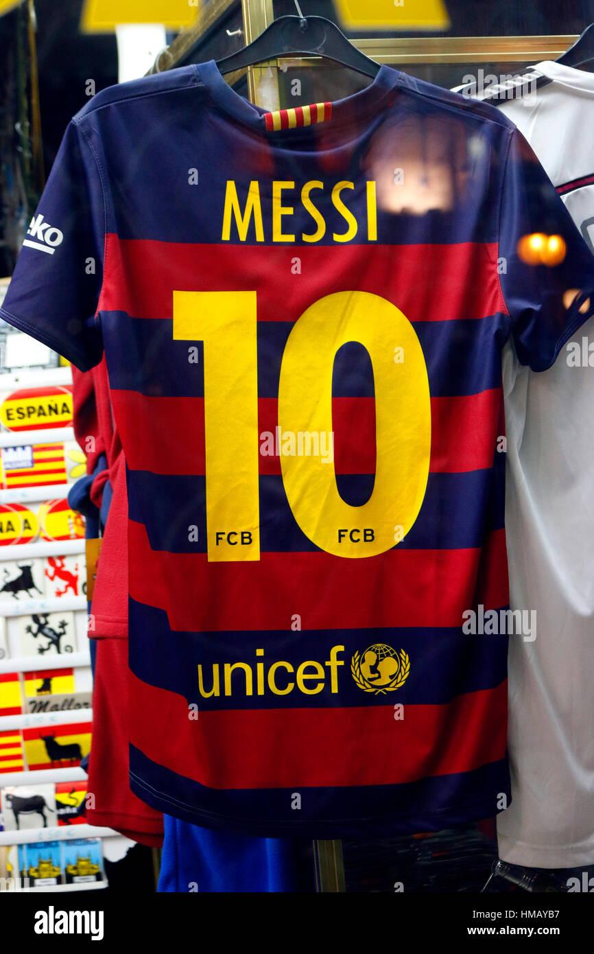 421b22dd677 ein Trikot des FC barcelona mit der Rueckennummer  10  (von Lionel Messi)