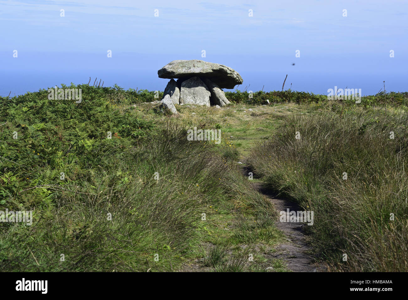 Chun Quoit, a neolithic monument (possibly a burial chamber) on the Penwith moors, Cornwall,  path leading in to - Stock Image
