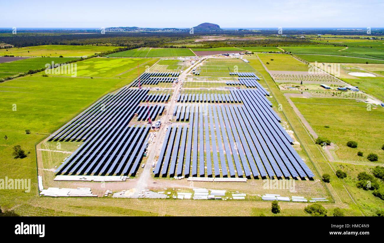 The Sunshine Coast Solar Farm at Valdora, near Yandina and Coolum, on the Sunshine Coast of Queensland, Australia. - Stock Image