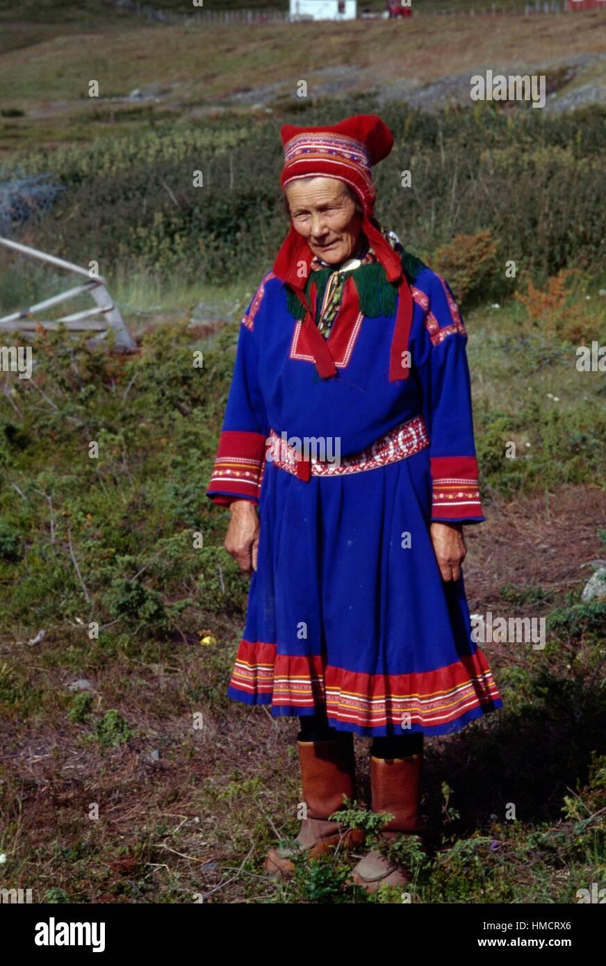 Sami (Laplander) woman wearing a traditional dress, Kautokeino, Finnmark, Lapland, Norway. - Stock Image