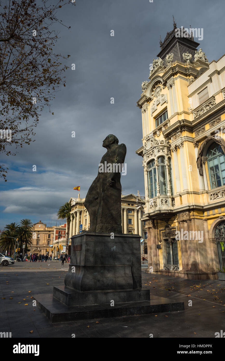 Statue of Romul Bosch I Alsina, MP and mayor, in front of the Port de Barcelona, Port Vell, Barcelona, Catalonia, - Stock Image