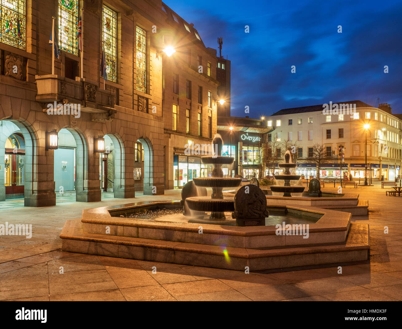Fountain at City Chambers in City Square at Dusk Dundee Scotland Stock Photo