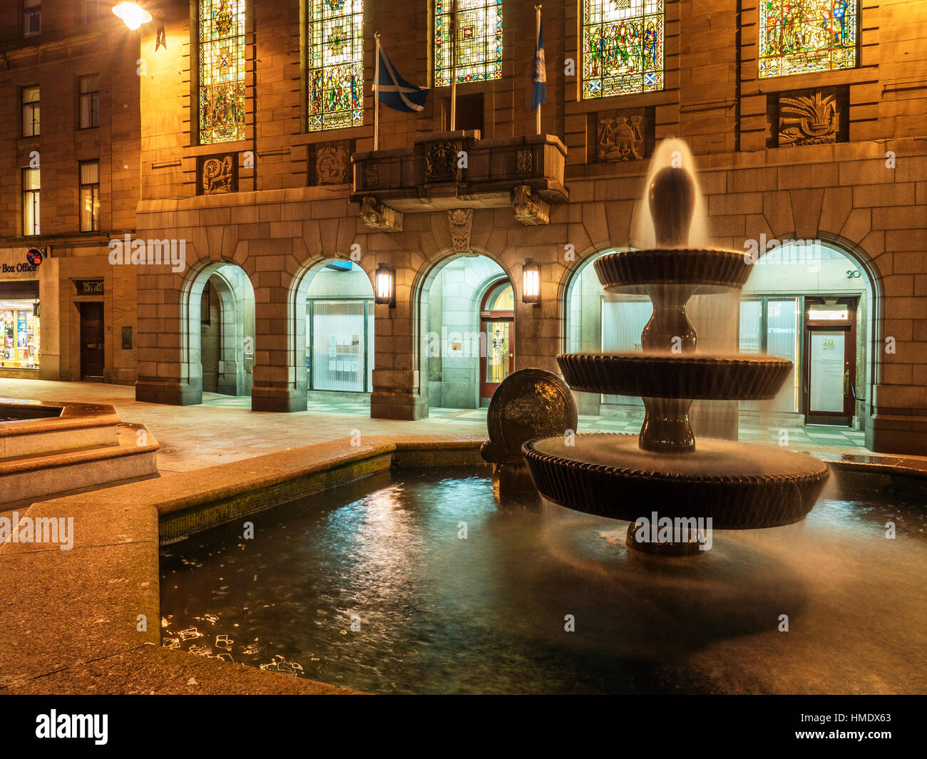 Fountain at City Chambers in City Square at Dusk Dundee Scotland - Stock Image