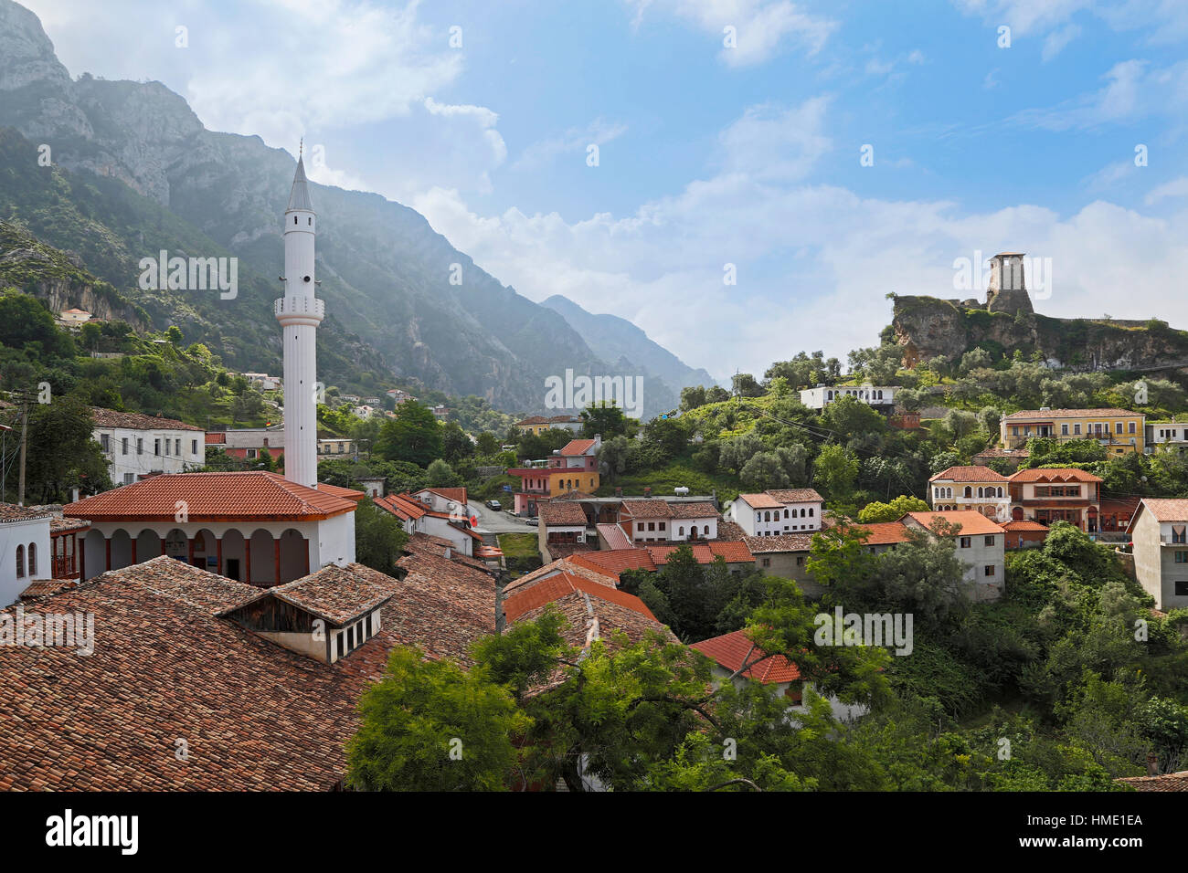 Kruja, Durres County, Albania.  Castle of Kruja and Skanderbeg Museum.  Minaret of the Bazaar Mosque on left.  The - Stock Image