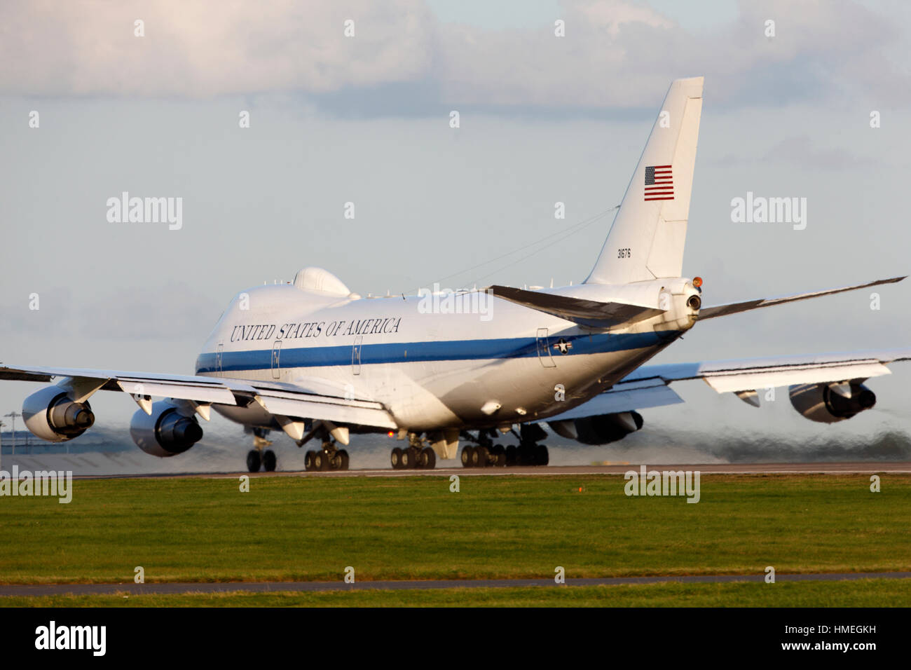grim 22 73 1676 usaf united states air force boeing e 4b at london