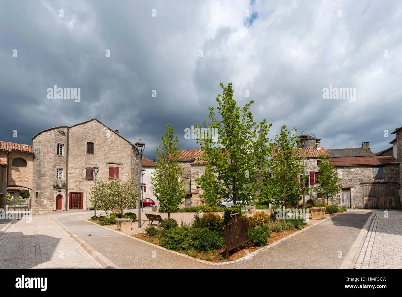 Place des Templiers in the Medieval town of La Cavalerie , Aveyron 12, région Languedoc-Roussillon-Midi-Pyrénées, - Stock Image