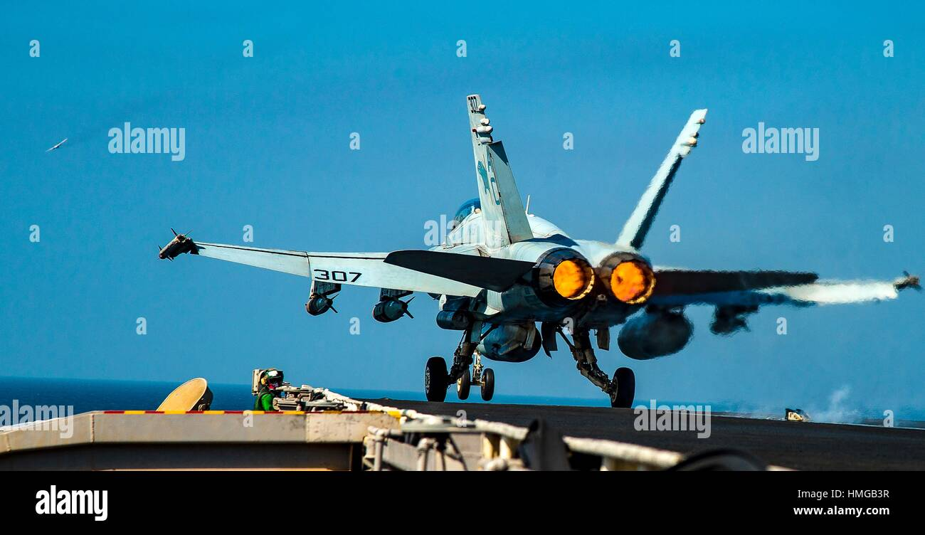 ARABIAN GULF (Oct. 16, 2016) An F/A-18C Hornet assigned to the Wildcats of Strike Fighter Squadron (VFA) 131 launches - Stock Image