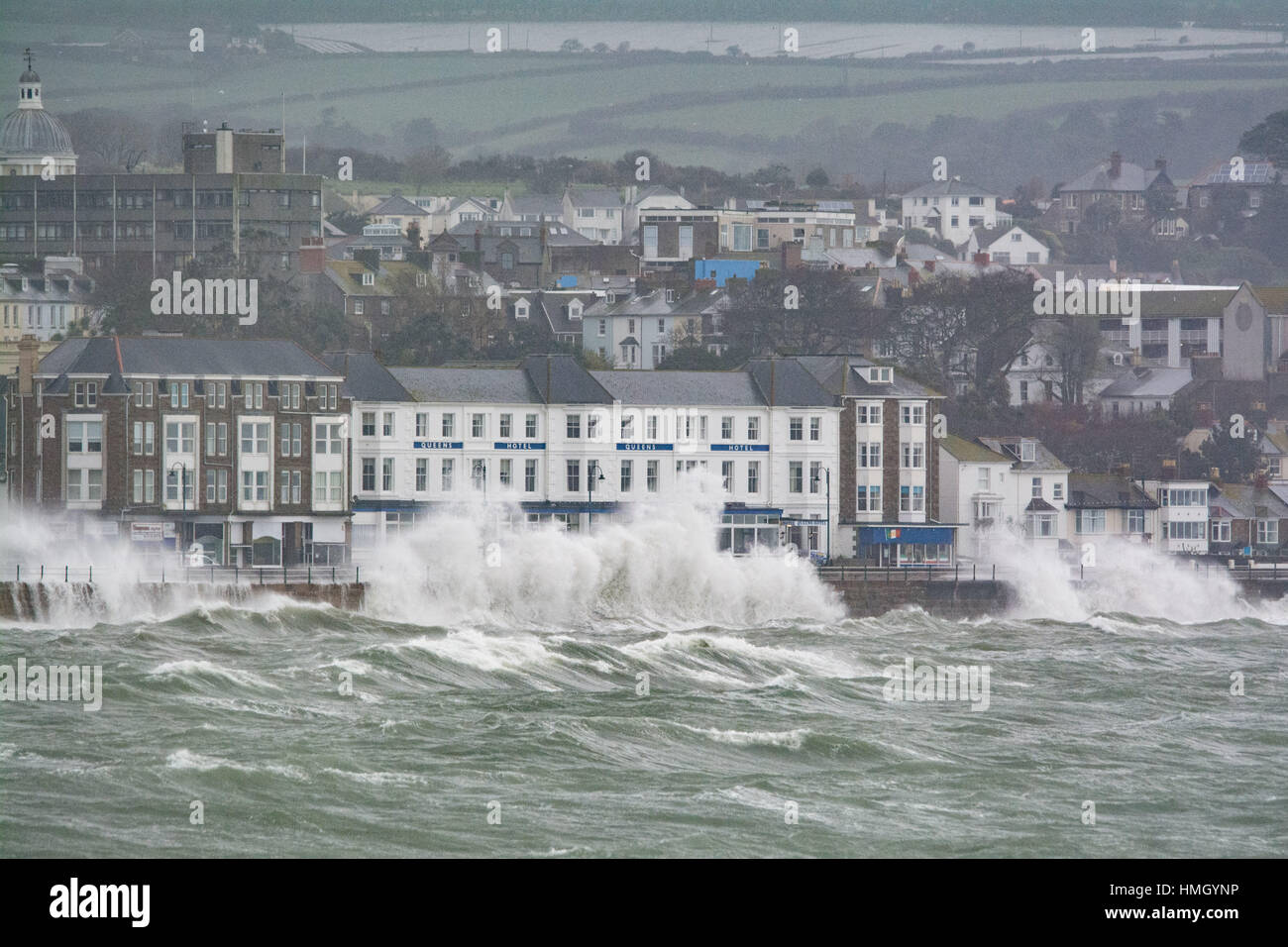 Penzance, Cornwall, UK. 3rd Feb 2017. UK Weather. Strong winds and big waves continue to batter to Cornwall coast, Stock Photo