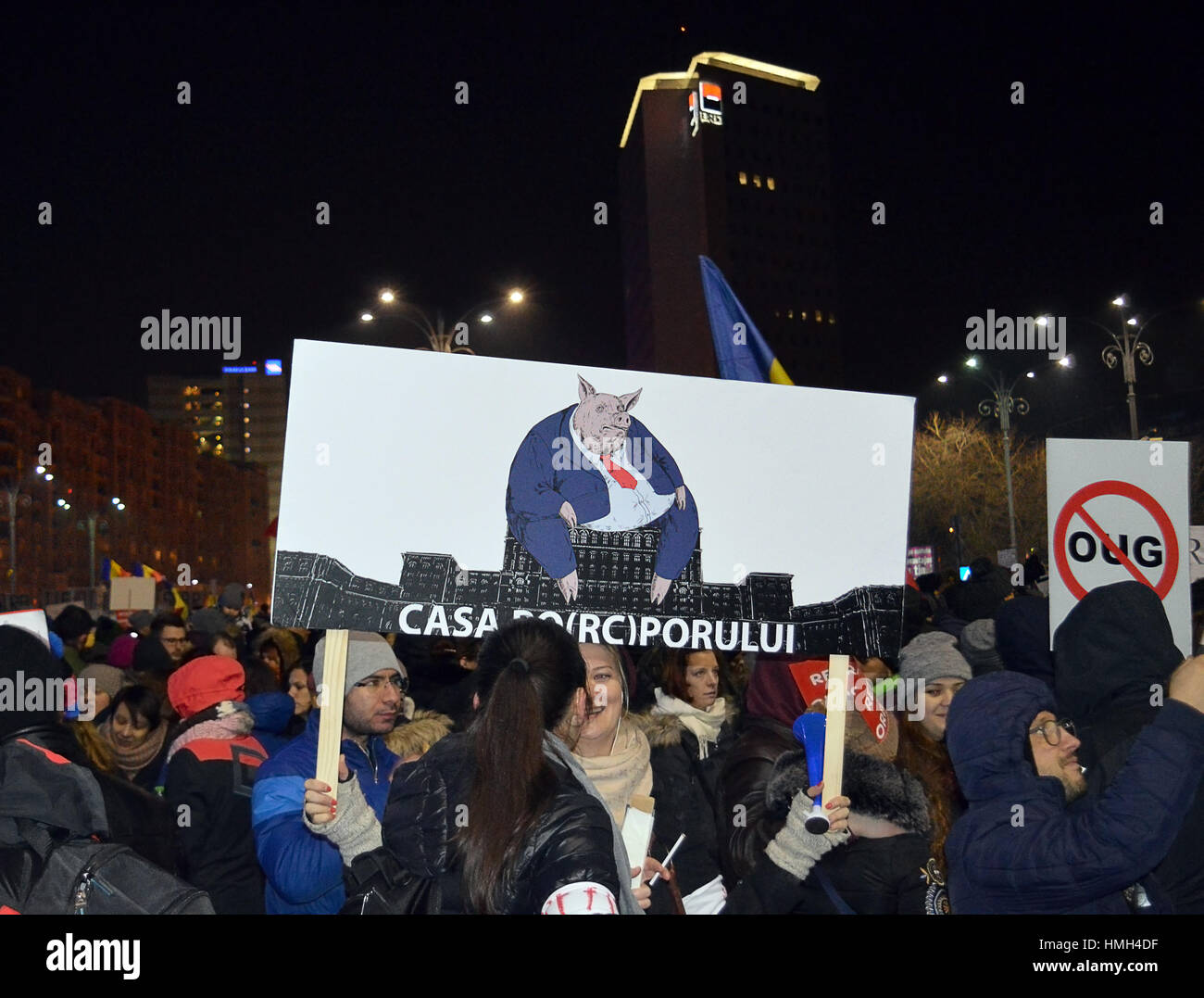 Bucharest, Romania. 3rd Feb, 2017. 300,000 people took to the streets for a fourth night of protests against the - Stock Image