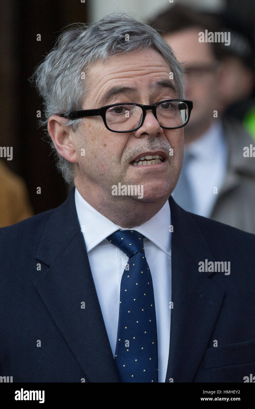 London, UK. 24th January, 2017. David Green, lawyer for Deir dos Santos, makes a statement following the Article - Stock Image