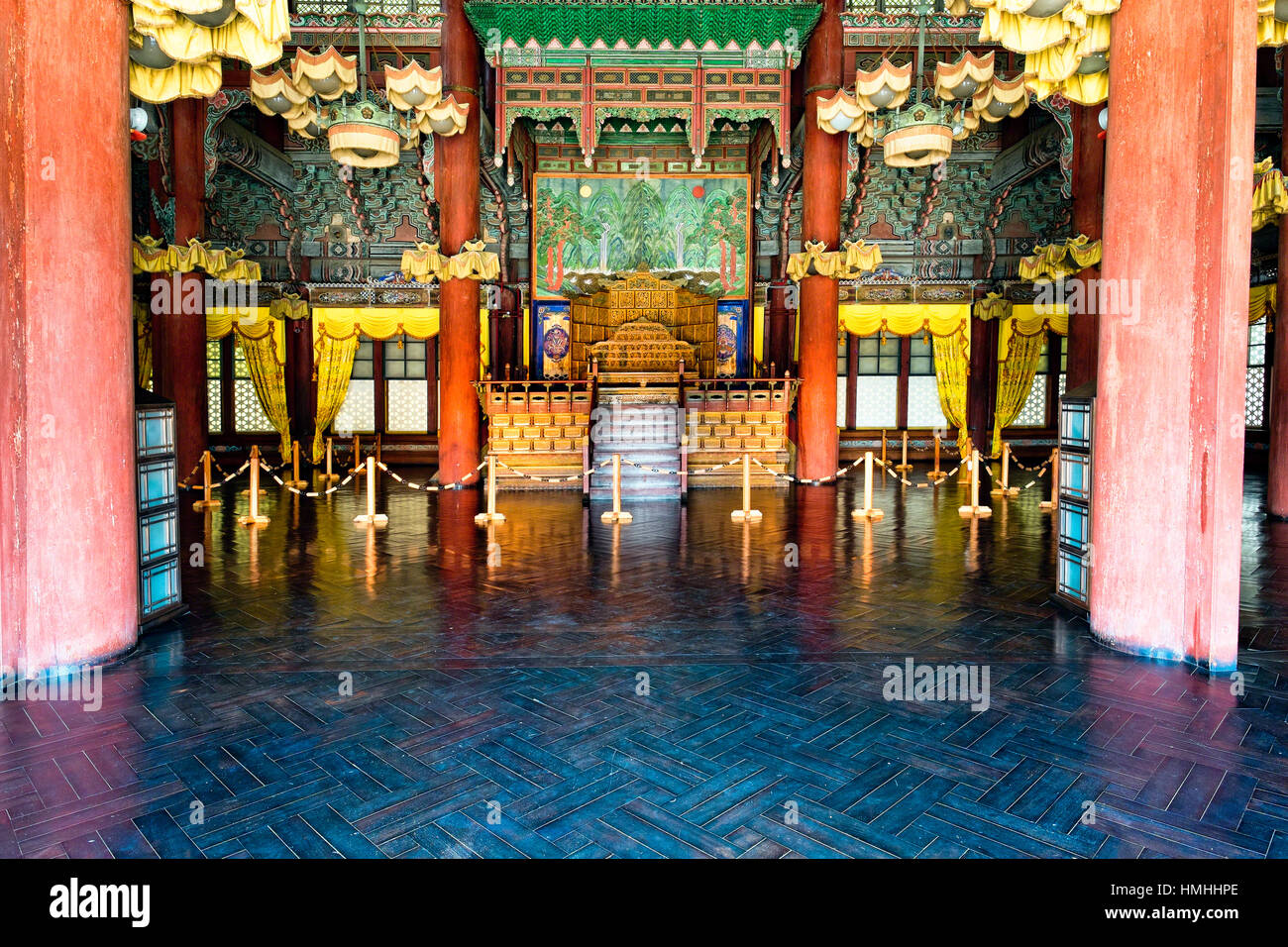 Throne Hall Building  Interior in Gyeongbokgung Palace, Seoul, South Korea - Stock Image