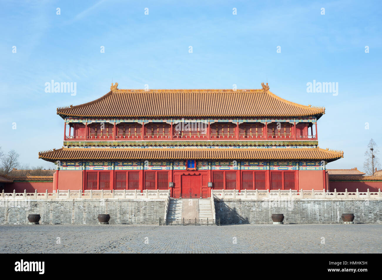 Large water cauldrons outside the Tower of Enhanced Righteousness in the main courtyard of the Forbidden City, Beijing - Stock Image