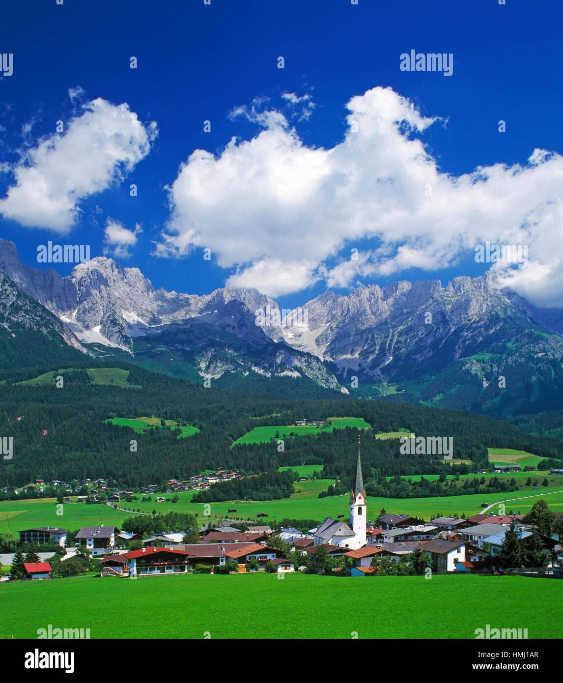 Ellmau village and the Wilhelm Kaiser mountains, Tirol, Austria - Stock Image