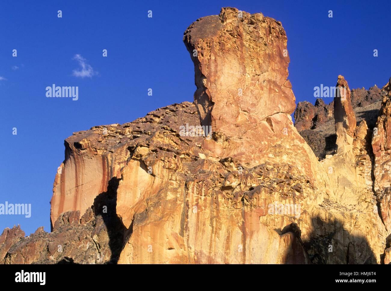 Rhyolite outcrop, Leslie Gulch Area of Critical Environmental Concern, Oregon. - Stock Image