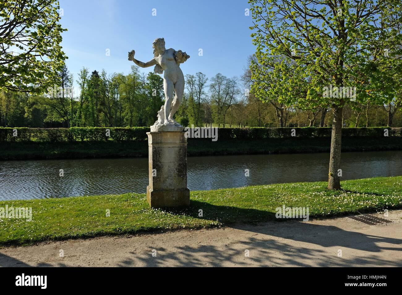´´Le Reveil de Flore´´, sculpture by Paul Chevre (1866-1914) in the Castle ´s park of Rambouillet, - Stock Image