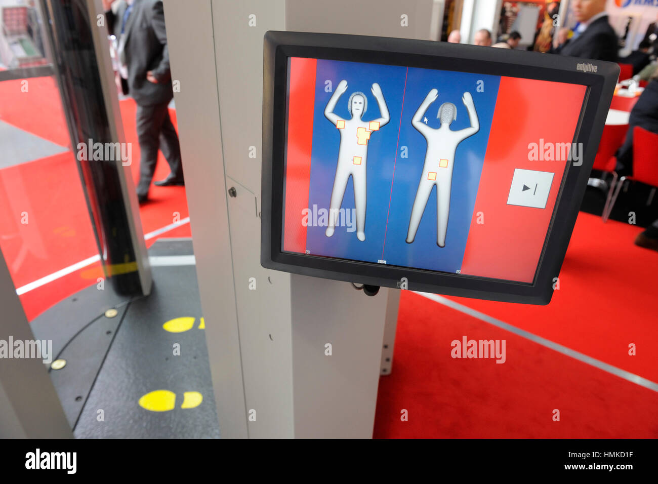 screen L3 Communications ProVision ATD millimetre radiowave body-scanner at Counter Terror Expo 2010 at Olympia Stock Photo