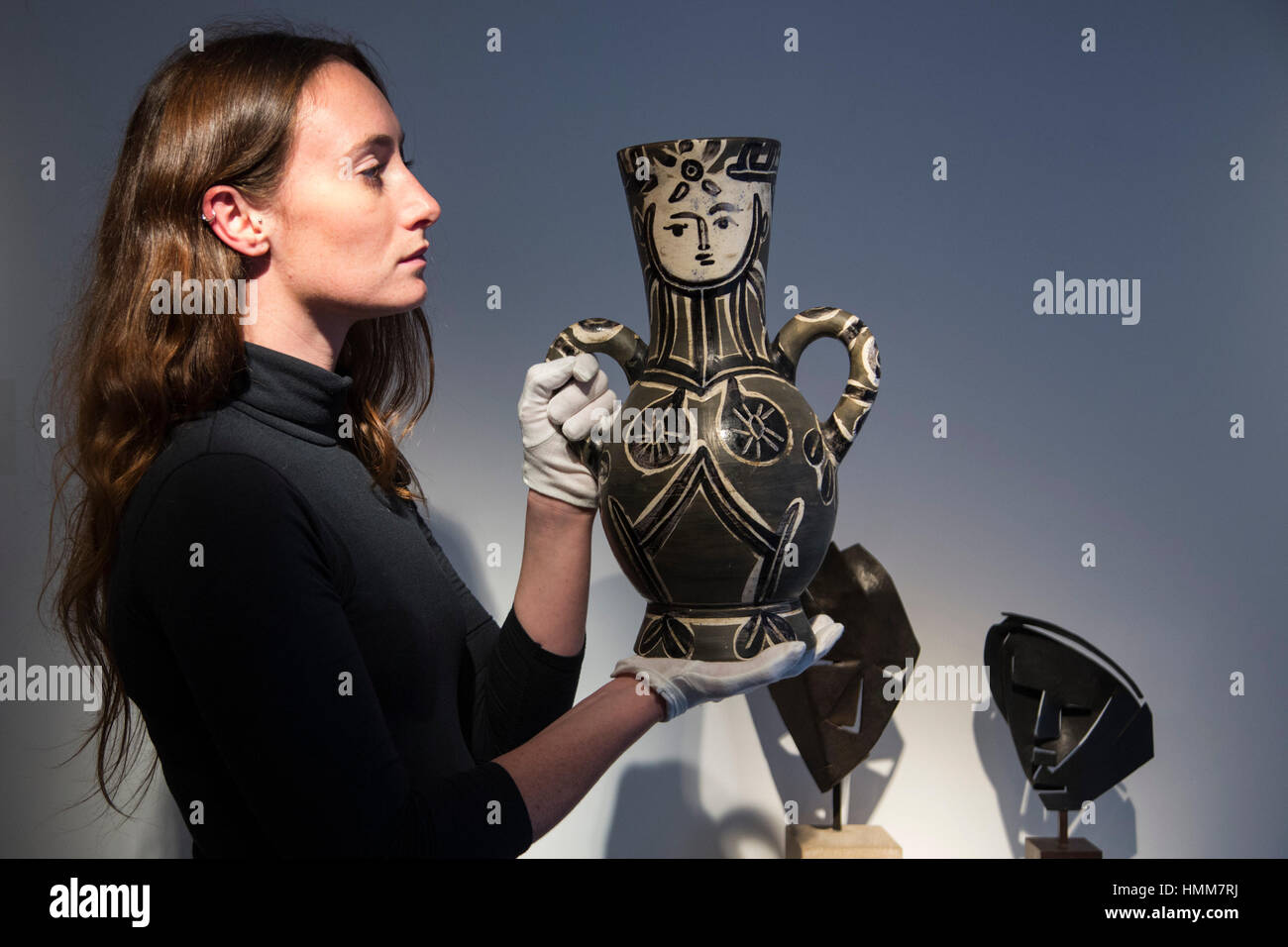 London, UK. 17 January 2017. Ceramics by Pablo Picasso. Mayoral presents an exhibition inspired by the Spanish Pavilion - Stock Image