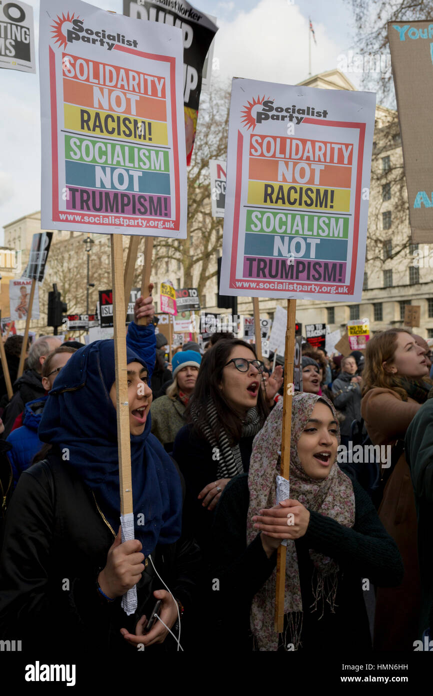 London, 4th February 2017: Young Muslim women protest at the Stop Trump's Muslim ban demonstration on 4th February - Stock Image
