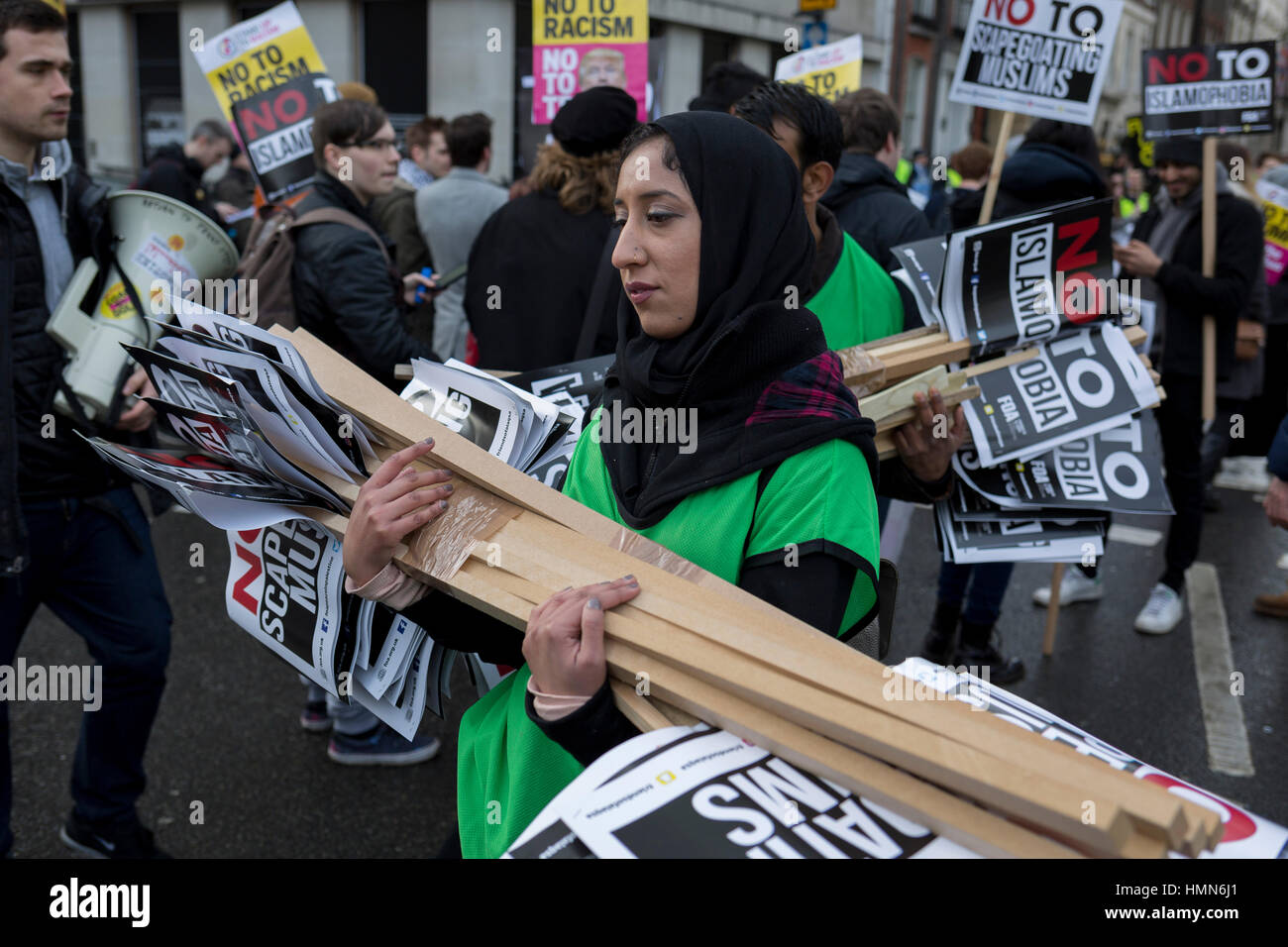 London, 4th February 2017: A young Muslim woman activist at the Stop Trump's Muslim ban demonstration on 4th February Stock Photo
