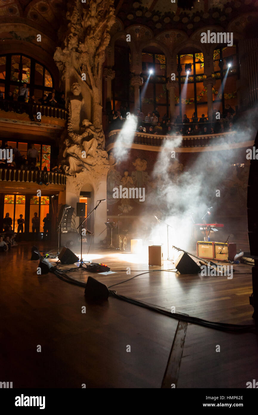 """Spain, Barcelona. 03nd Jan, 2017. """"Lamari"""" of Chambao performs on stage during Festival del Mil.lenni at Palau de Stock Photo"""