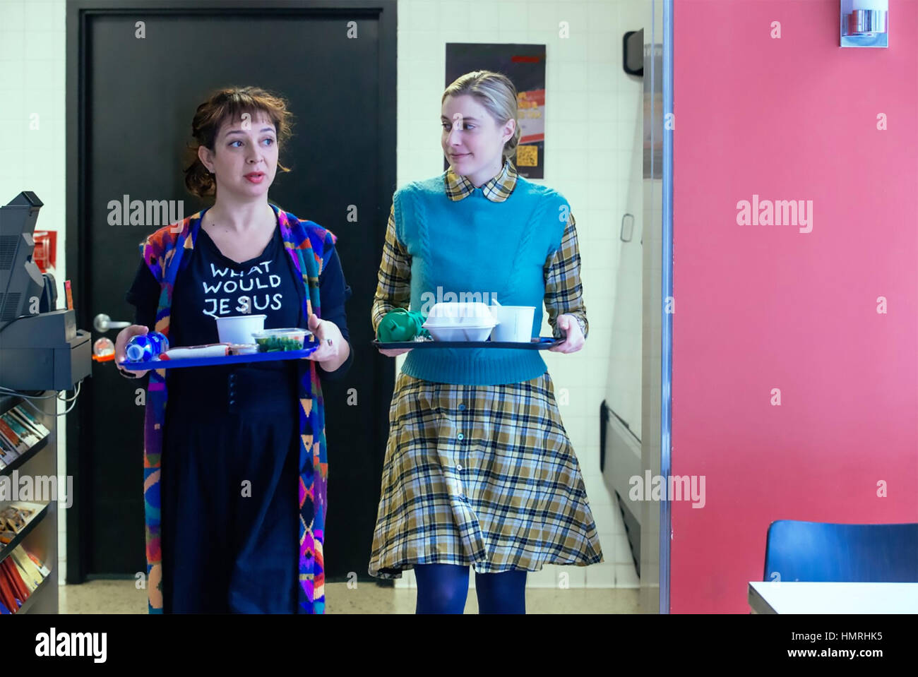 MAGGIE'S PLAN 2016 Franklin Street film with Greta Gerwig at right and Maya Rudolph - Stock Image