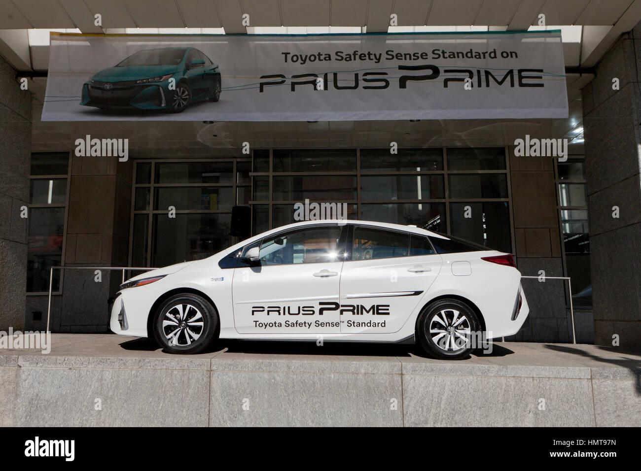 2017 Toyota Prius Prime Plug In Hybrid On Display At Washington Auto