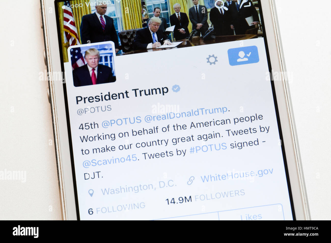 Donald Trump's POTUS twitter account on mobile phone screen - USA - Stock Image