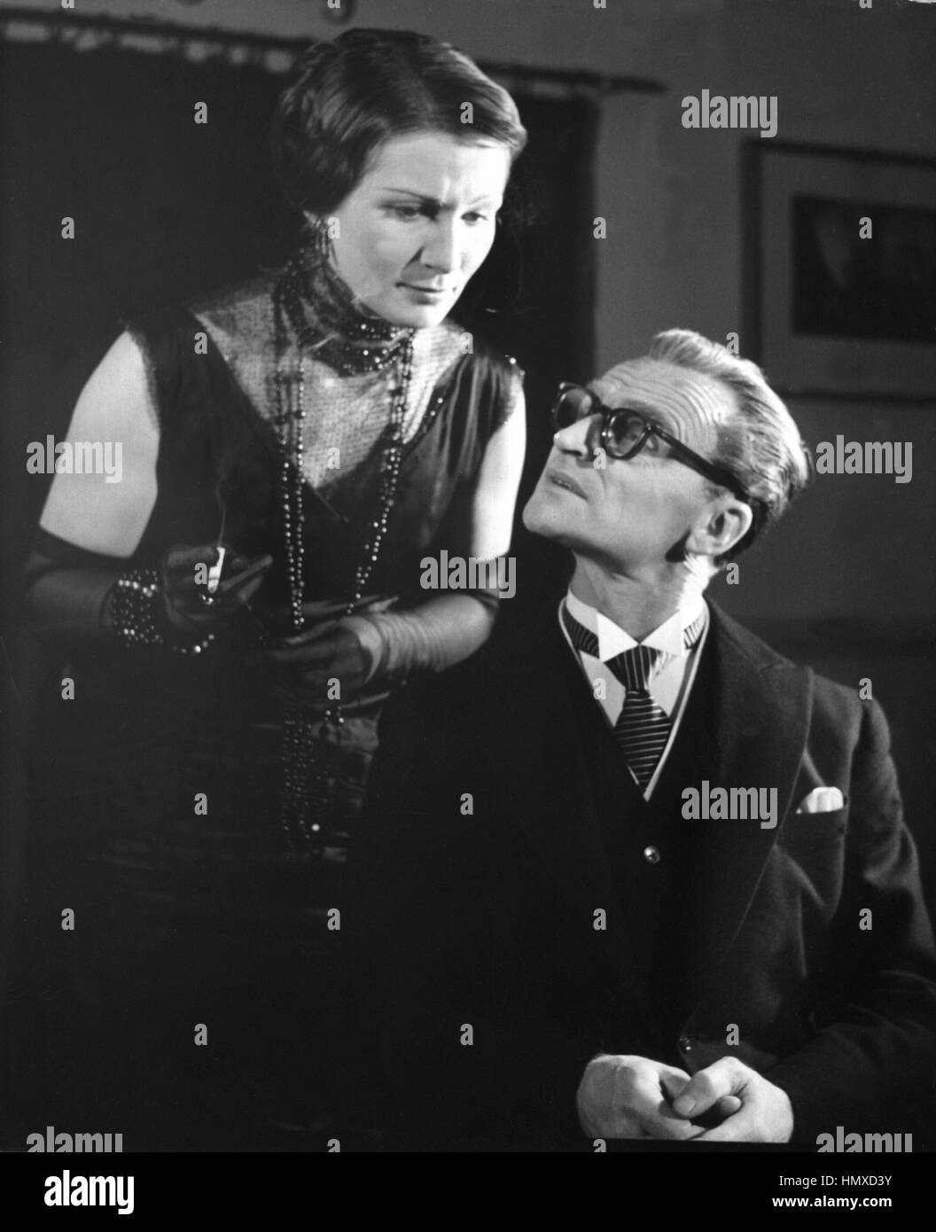 ARCHIVE - Actress Inge Kellerc in the role of aula Clothilde Clausen, with Herwart Grosse as Wolfgang Clausen during - Stock Image