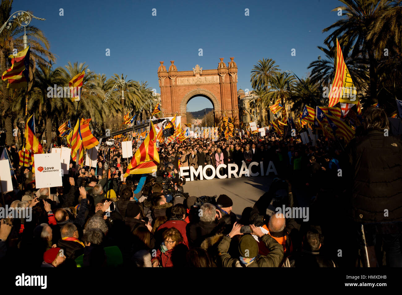 Barcelona, Catalonia, Spain. 6th Feb, 2017. Former Catalan President Artur Mas and members of the Catalan government Stock Photo