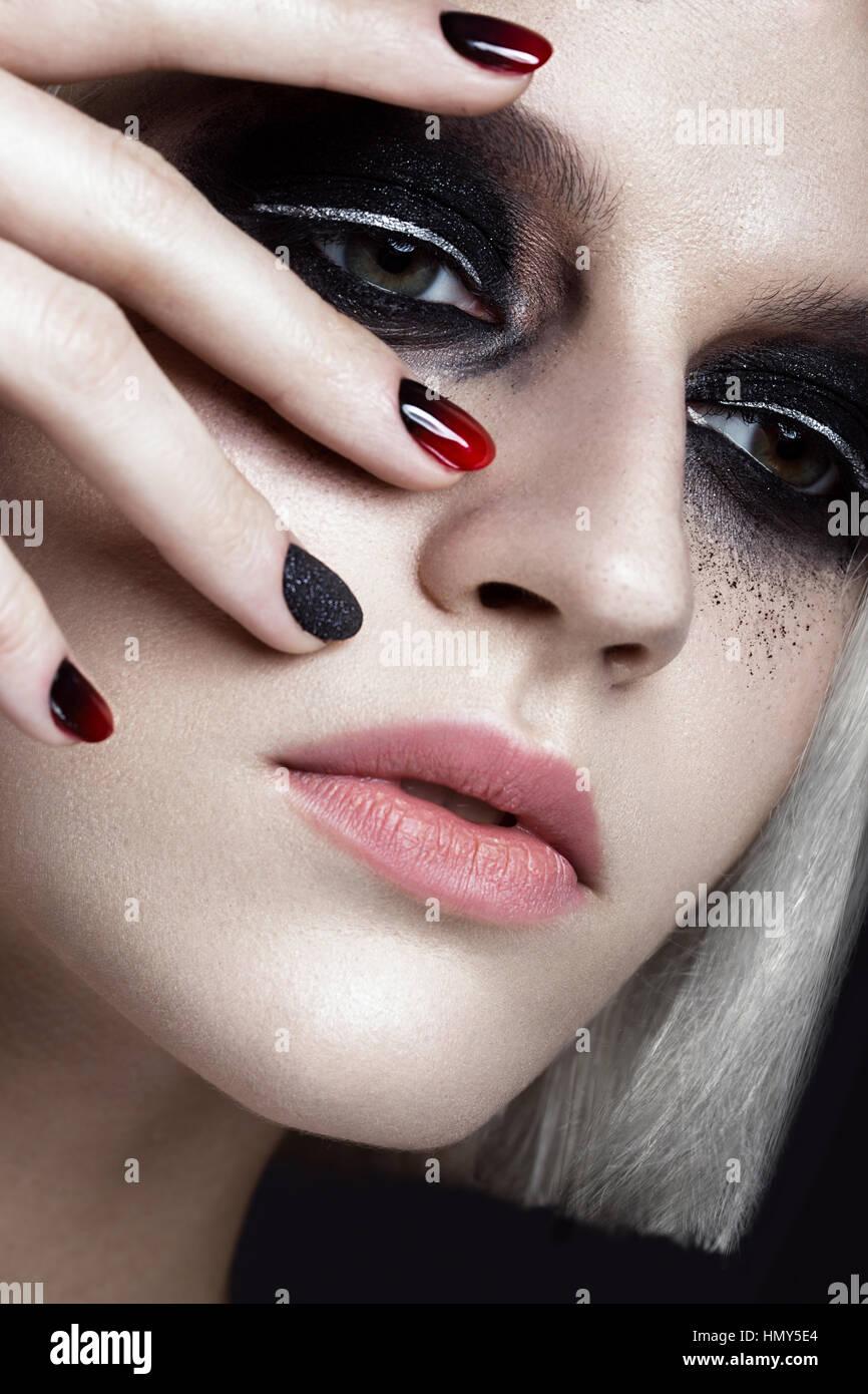 Dark Blond Nail Polish